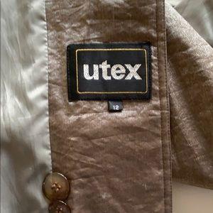 Utex Jackets & Coats - Fantastic beige raincoat can fit 14/16